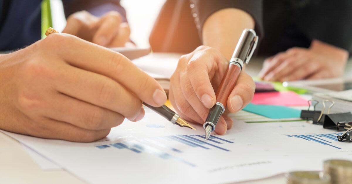 Umowa B2B dla programistów. Poradnik dla samozatrudnionych w IT (i nie tylko)